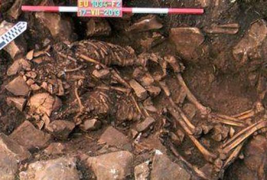Un couple préhistorique enlacé découvert en Grèce